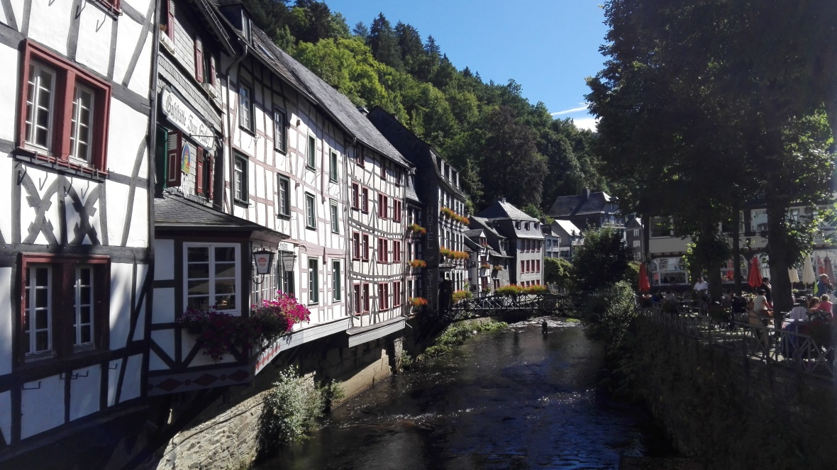 beautiful-monschau