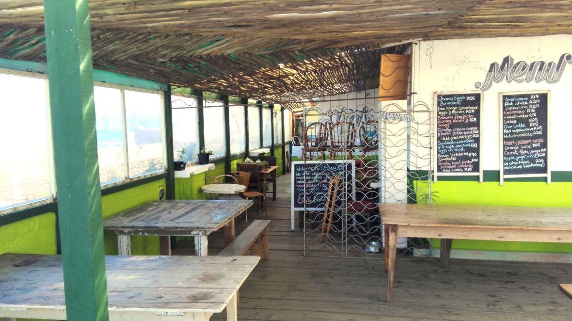 ohana-cafe-inside