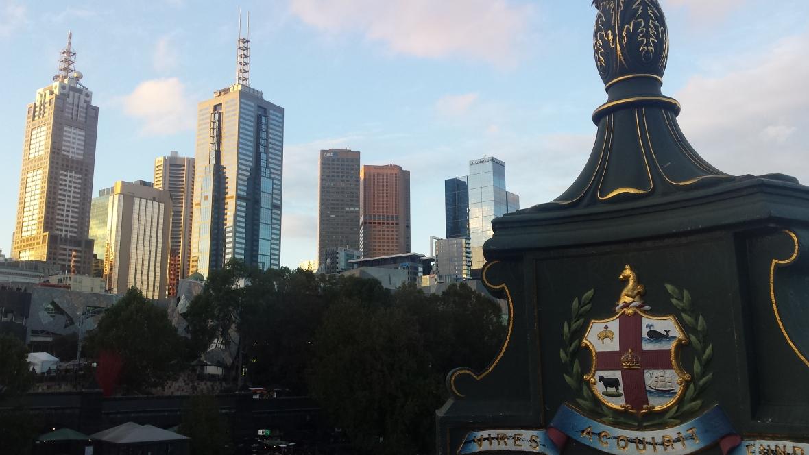 Melbourne emblem