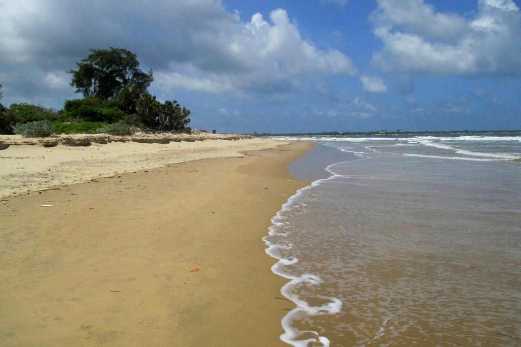 Shela 12km beach